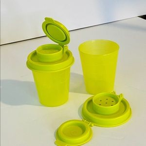 Tupperware set 2 salt & pepper spice shakers free